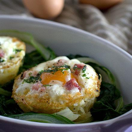 Cestini-di-patate-con-uova-e-fonduta-piccole