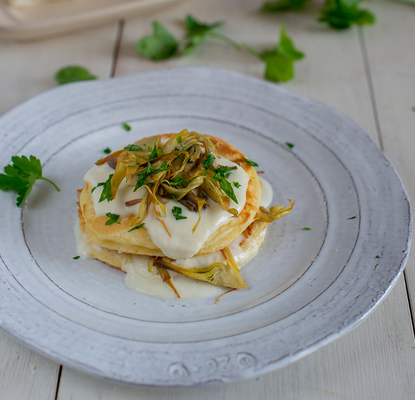 Pancake salati con Crescenza e carciofi